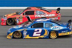 Kurt Busch, Penske Racing Dodge et Jamie McMurray, Earnhardt Ganassi Racing Chevrolet