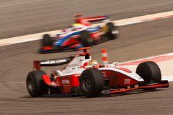 Jules Bianchi lidera a Oliver Turvey