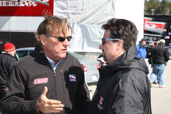 Indy Racing League commercial division president Terry Angstadt en Michael Andretti