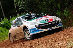 Bruno Magalhaes en Carlos Magalhaes, Peugeot Sport Portugal Peugeot 207 S2000