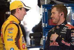 Kyle Busch, Joe Gibbs Racing Toyota et Brian Vickers, Red Bull Racing Team Toyota