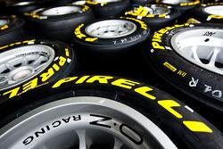 Pirelli tyre logo