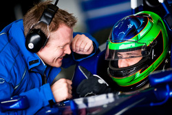 A carlin mechanic talks to Luca Foresti