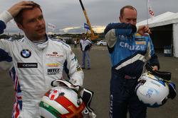 Andy Priaulx, BMW Team RBM, BMW 320si et Robert Huff, Chevrolet, Chevrolet Cruze LT
