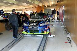 La voiture de Mark Martin, Hendrick Motorsports Chevrolet à l'inspection