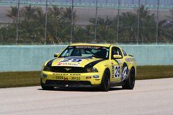 #29 Racers Edge Motorsports Mustang Boss 302R: Jade Buford, Manuel Gutierrez