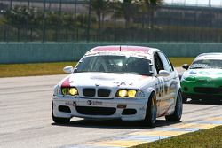 #24 V-Pack Motorsport BMW 330: Carlos Conde, Brian Redman, Sam Schultz, Ari Straus