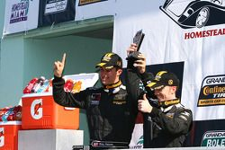 Vainqueurs Billy Johnson, Jack Roush Jr.