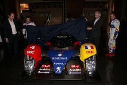 Olivier Panis, Nicolas Lapierre en Hugues de Chaunac voorstelling ORECA-Matmut Peugeot 908 HDi FAP