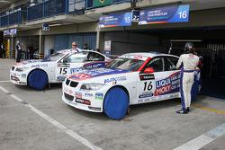 Franz Engstler, Liqui Moly Team Engstler, BMW 320si et Andrei Romanov, Liqui Moly Team Engstler, BMW