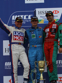 Franz Engstler, Liqui Moly Team Engstler, BMW 320si avec Sergio Hernetez, Scuderia Proteam Motorspor