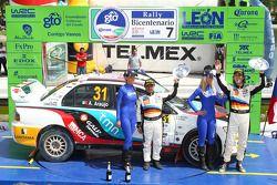 Podium: Armindo Araujo et Miguel Ramalho, Mitsubishi Lancer Evo X, Ralliart Italy