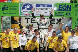 Podium: Petter Solberg et Philip Mills, Citroën C4 WRC, Petter Solberg Rallying