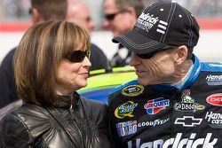 Mark Martin, Hendrick Motorsports Chevrolet, met zijn vrouw Arlene