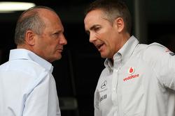 Ron Dennis, Presidente de McLaren y director del equipo, Martin Whitmarsh, McLaren, director ejecuti