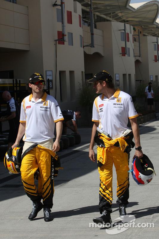 Robert Kubica, Renault F1 Team, Vitaly Petrov, Renault F1 Team