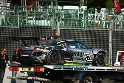La Audi R8 GT3 de Mark Eddy victime d'un accident en qualifications