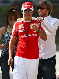 Felipe Massa, Scuderia Ferrari en Nick Heidfeld, testrijder, Mercedes GP
