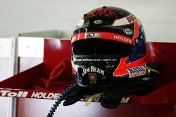 Helm van Will Davison