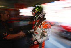 Jamie Whincup pakt pole voor race 1 van de Clipsal 500