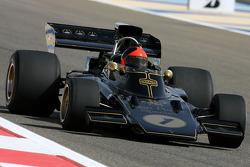 Emerson Fittipaldi, campeón del mundo F1 1972 y 1974 conduce el Lotus 72D 1972