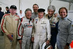 John Surtees, avec Mario Andretti, Nigel Mansell, Sir Jackie Stewart, RBS Representitive et Ex F1 Champion du Monde, Damon Hill et Emerson Fittipaldi