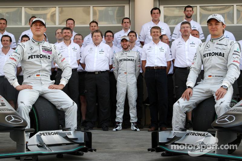 Pat Fry, ex manager de Mercedes, narró cómo a finales de 2009 convencieron a Schumacher de volver a la F1 entre cervezas