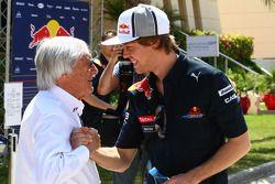 Bernie Ecclestone con Sebastian Vettel, Red Bull Racing
