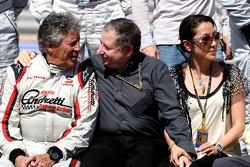 Mario Andretti, campeón mundial de 1978 F1, Jean Todt, Presidente de la FIA, Michelle Yeoh, ex chica