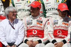 Bernie Ecclestone, Jenson Button, McLaren Mercedes, Lewis Hamilton, McLaren Mercedes