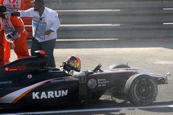 Choque de Karun Chandhok, Hispania Racing F1 Team
