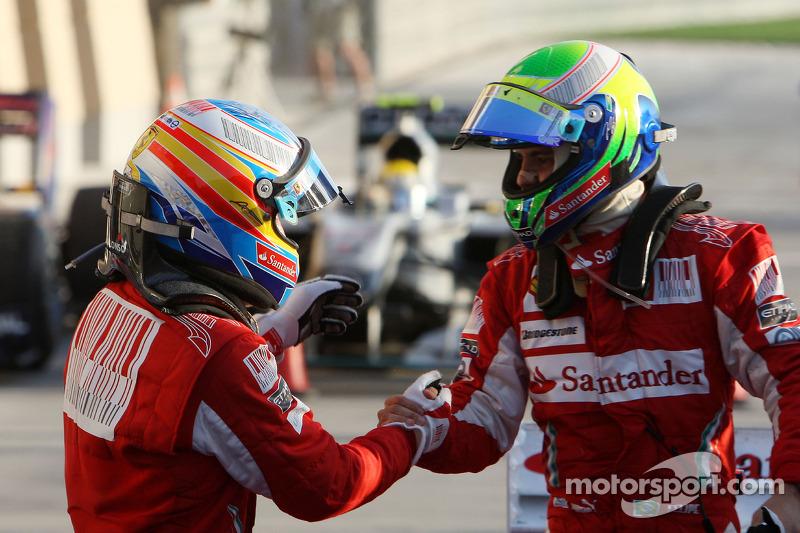 Ganador de la carrera Fernando Alonso, Scuderia Ferrari celebra con el segundo lugar Felipe Massa, Scuderia Ferrari