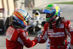 Ganador de la carrera Fernando Alonso, Scuderia Ferrari celebra con el segundo lugar Felipe Massa, S