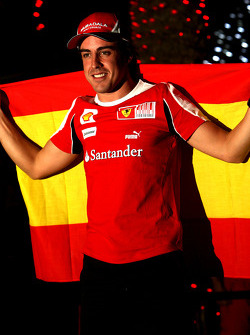 Fernando Alonso, Scuderia Ferrari, celebra su victoria