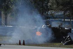 Crash #37 Intersport Racing Lola B06/10 AER: Jon Field, Clint Field