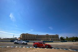#62 Risi Competizione Ferrari F430 GT: Jaime Melo, Gianmaria Bruni, Pierre Kaffer, #90 BMW Rahal Let