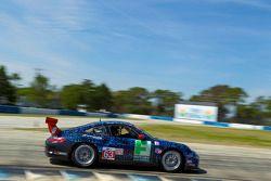 #63 TRG Porsche 911 GT3 Cup: Henri Richard, Duncan Ende, Andy Lally