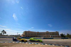 #61 Risi Competizione Ferrari F430 GT: Tracy Krohn, Nic Jonsson, Eric van de Poele, #4 Corvette Raci
