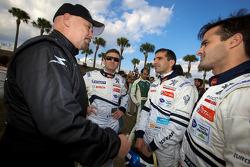 Photo de groupe des pilotes : Paul Gentilozzi, Nicolas Minassian, Marc Gene et Pedro Lamy