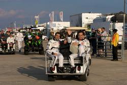 Photo de groupe des pilotes : Marc Gene et Pedro Lamy