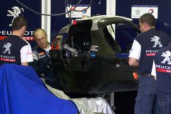 Team Peugeot Total met Peugeot 908 HDI FAP chassis