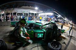 Pitstop #8 Drayson Racing Lola B09 60 Judd: Paul Drayson, Jonny Cocker, Emanuele Pirro