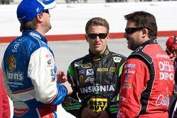 David Reutimann, Michael Waltrip Racing Toyota, A.J. Allmendinger, Richard Petty Motorsports Ford en