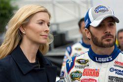 Jimmie Johnson, Hendrick Motorsports Chevrolet, met vrouw Chandra
