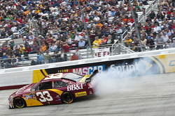 Clint Bowyer, Richard Childress Racing Chevrolet blows his tire