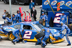Pit stop for Kurt Busch, Penske Racing Dodge
