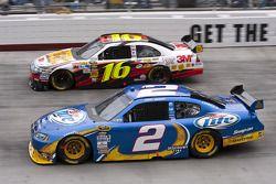 Kurt Busch, Penske Racing Dodge et Greg Biffle, Roush Fenway Racing Ford