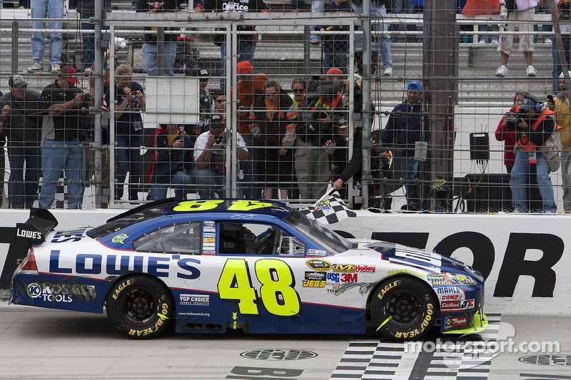 2010, Bristol 1: Jimmie Johnson (Hendrick-Chevrolet)