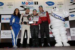 Michelin Green X Challenge podium: GT winnaars Darren Law, Seth Neiman en Richard Lietz