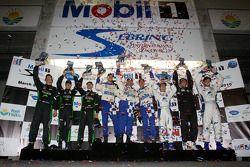 GTC podium: klasse winnaars Juan Gonzalez, Butch Leitzinger en Leh Keen, tweede plaats Bill Sweedler